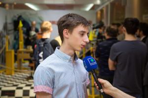 даниил дбов дает интервью3_002