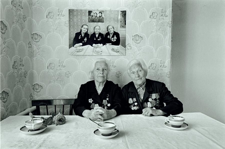 «Боевые подруги» 1945 - 1982 - 2001 года.   Не просто снимок.