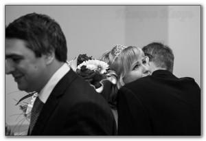 слезы, невеста, жених, отец, фотограф в загс, загс, перово, перовский загс, свадебная фотосъемка, петров игорь, лучший фотограф, фотография чувств