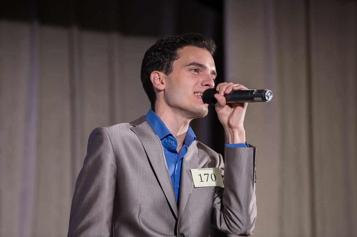 Певец конкурса голос