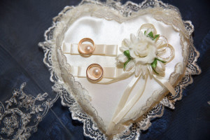 кольца, подушка, свадьба